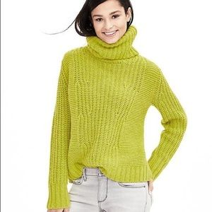 Banana Republic • Italian Yarn Sweater